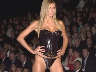 Heide Klum cameltoe free photo gallery - Celebrity Cameltoes