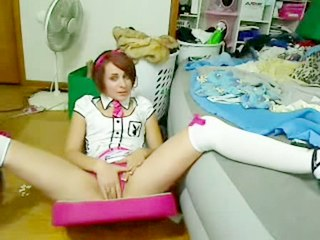Emo Girls : Emo chick strips and plays with vibrator!