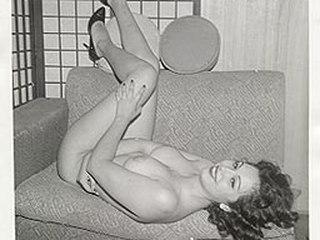 Lusty lady enjoys smoking her favorite cigarettes - Lusty lady enjoys smoking her favorite cigarettes
