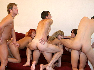 Party Hardcore : Deep penetration in lad orgy!