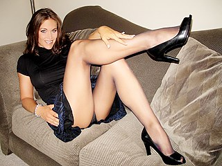 900jua p Tgp Of Redheads In Pantyhose   The hottest of pantyhose upskirts :: www.wetpantylickers.com ::